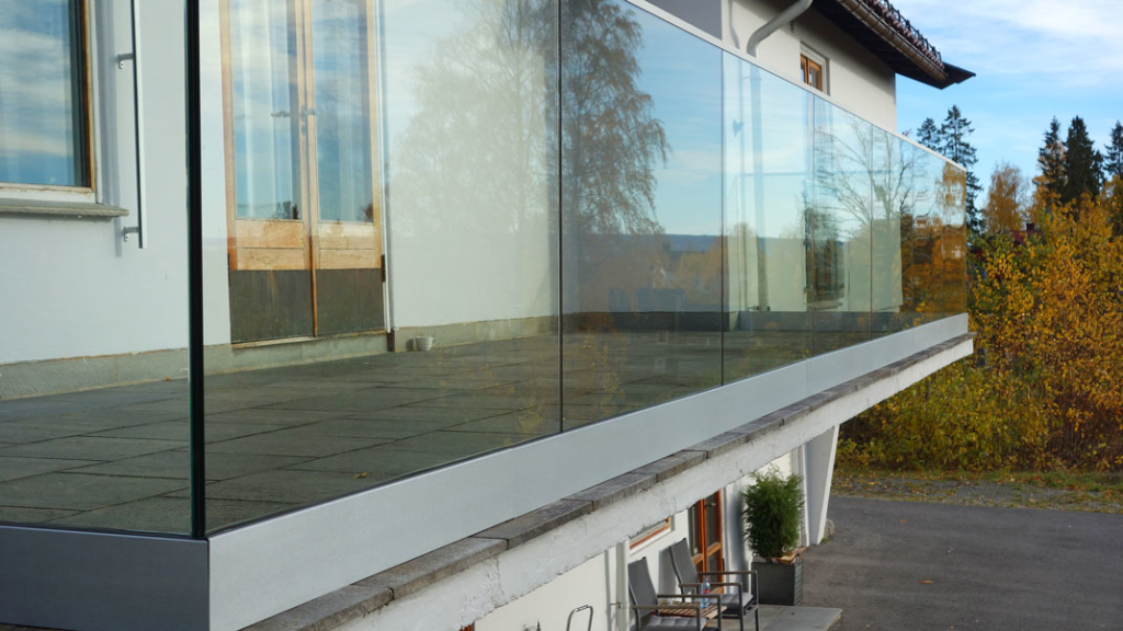 Slim Panorama Glassrekkverk fra Basix